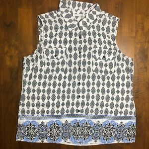 Notations Patterned Button Down Sleeveless Top